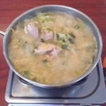 38609342 - びわこ食堂(滋賀県長浜市高月町)とりやさい鍋700円〜山盛り野菜がこんなになると食べ頃!