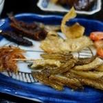 おてび - (2015/4月)「小魚定食」の小魚皿