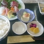 Izunosuke - 三色さしみ定食 お刺身はその日によって変わるようです
