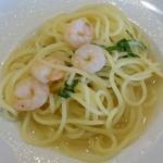 ヴォーノ・イタリア - 料理写真:ぷりぷり海老の和風ソース青じそ風味のパスタ285kcal