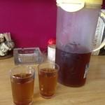 トックリ軒 - 麦茶はセルフです(・∀・)