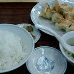 ぎょうざの満洲 羽村駅前店 - 餃子は満州