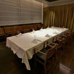 37 Steakhouse & Bar - 店内の奥には個室もございますので、ビジネスユースにも最適です。