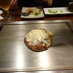 京ちゃばな 北新地 ほっこりほっこり - トマトお好み焼 豚肉&チーズ:1,180円