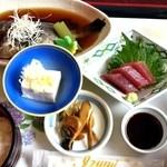 はまざく - ランチ煮魚定食1050円税込