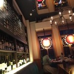 近江牛ステーキとがぶ飲みワイン ニクバルモダンミール - 中はおしゃんてぃー!