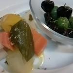 ラ・ベファーナ - 狛江野菜のピクルスと オリーブ
