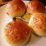 ラ・パウザ 小麦の家 - ランチメニュー パスタセット 食べ放題パン