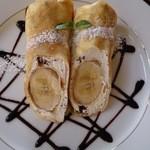四季 - <フルーツヨーグルトクレープ ¥680>自家製ホイップとバナナ1本を丸ごと包んだ ボリューム満点の1皿。チョコソースと中に入っているチョコクランチが絶妙です☆
