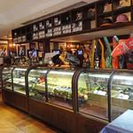 MLB Cafe Tokyo - エントランス横のディスプレイ