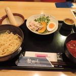ひろしま酒蔵 歓粋亭 - 広島つけ麺の濃厚胡麻
