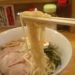 秋葉原ラーメン天神屋 - 麺