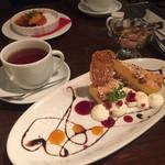 Cafe Xando - ナッツのベイクドチーズケーキ♡、ツレはクリームブリュレ♡♡