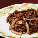 牛肉と玉葱黒胡椒炒め