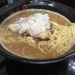 38678662 - 麺処雁木の濃厚拉麺の麺(15.05)