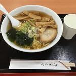 あずま家 - 釜石ラーメン 鶏&煮干しスープ