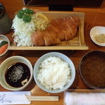 ひぐち - 料理写真:ロースカツ定食1,100円(税込) ごはん、キャベツ おかわり無料