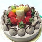 シュクルボワ - 2015年6月 生チョコデコレーションケーキ ¥2550
