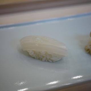 鮨 いぬかい - 料理写真:剣先イカ~☆