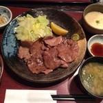 外苑 うまや 信濃町 - 牛タン定食