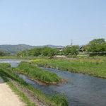 今井食堂 - 近くを流れる賀茂川 この日は天気が良く景色も最高