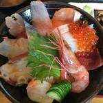 38692528 - 海鮮丼のアップ