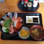 38692584 - 海鮮丼 1,200円