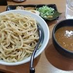 春樹 - 今日は超濃厚魚介豚骨つけ麺(900g盛り)。