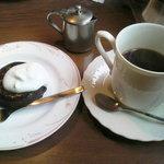 3870195 - コーヒーとフォンダンショコラ