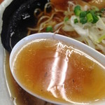 福の神食堂 - 鰹が効いた味玉中華そばのスープ