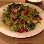 38702738 - 本日の新鮮な野菜サラダ(540円)
