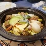 ハンニバル - タジンアルーシュ(ラムのミートボールとドライプラムのタジン鍋)