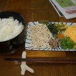 鶏飯食堂 HABUS - 鶏飯(よそう前)