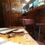 ラクチネッタヤマオカ - テーブルとカウンター