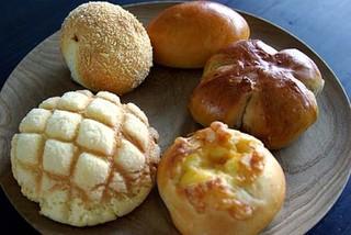 パンのおと - メロンパン、チーズパン、クルミパン、クリームパン、カレーパン