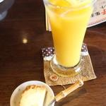 夢うらら - 食後のドリンク&ミニデザート(チーズケーキ)