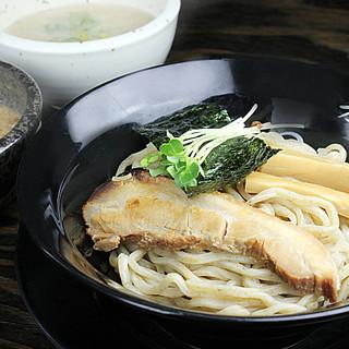 人気のつけ麺!スープも3種類ご用意!あなたのお好きな味を。