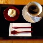 甘味茶蔵 真盛堂 - 料理写真:ゆでまんじゅう&コーヒー