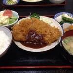 ハチロー - ロースカツ定食