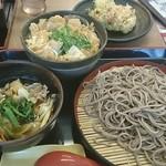 そば処 吉野家 - 「親子丼と蕎麦のセット(肉つけ蕎麦に変更)」と単品「かき揚げ」