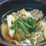 そば処 吉野家 - 肉つけ汁(味わい薄い!)