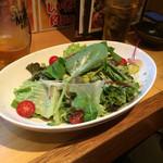 鳥雅 - シーザサラダ、オリーブオイルベースで美味