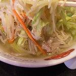 彩‐彩 - タンメンは中太ちぢれ麺