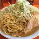 38751826 - ド乳化濃厚スープに麺が絡みます