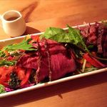 ウト・ウーク - イチボのローストビーフサラダ