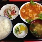 みかど チャイニーズレストラン - 料理写真:エビのチリソース煮込定食