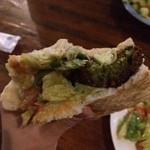 Shamaimu - 中のひよこ豆のコロッケは衣サクサクで緑色!