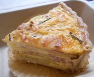 フラワー・ビー - 自家製ローズマリーガーリックポテトとベーコンのキッシュ(テイクアウト)