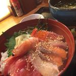うまい魚と炭火焼 泰三屋 - 海鮮丼♪
