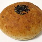 玄米王国 - 料理写真:玄米赤飯゜リッチ粒あんぱん(\250、2015年4月)